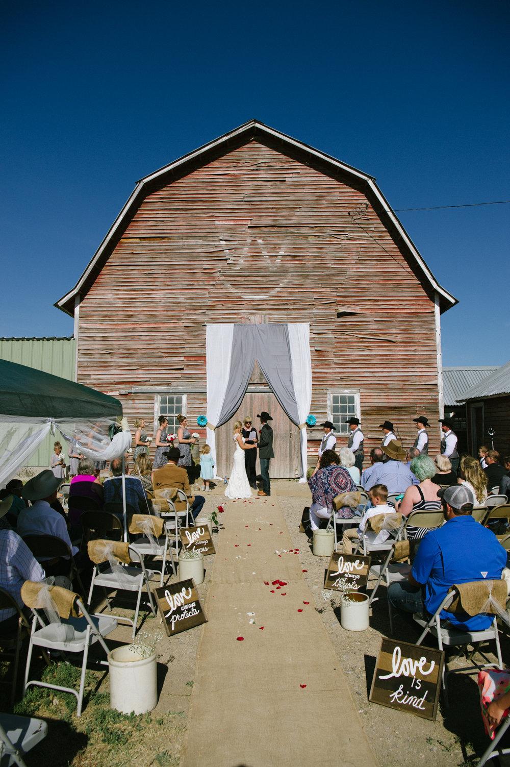 Erica Lind + Jeff Heim Wedding_Rustic Wedding_Montana Wedding_Kelsey Lane Photography-4420.jpg