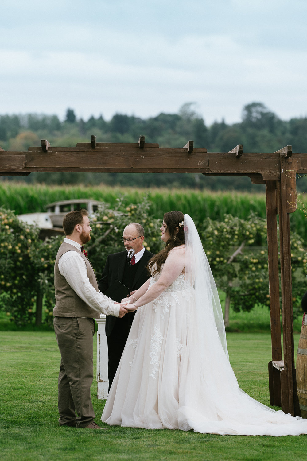Swan Trail Farm Wedding_Sarah Schurman + Brian Skadan_Snohomish Wedding_Kelsey Lane Photography-6072.jpg