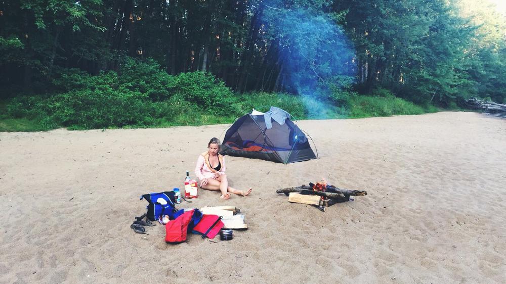 Beach campfire before dinner.