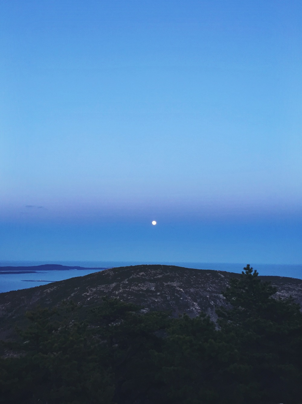 A full moon certainly aids in a night hike descent.