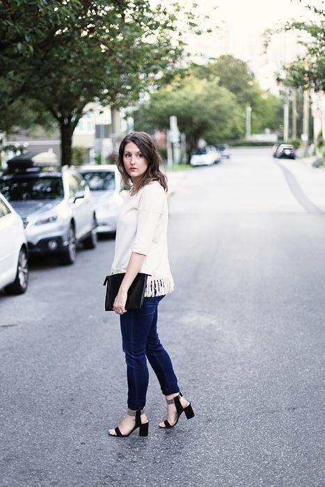 minimalist dressing