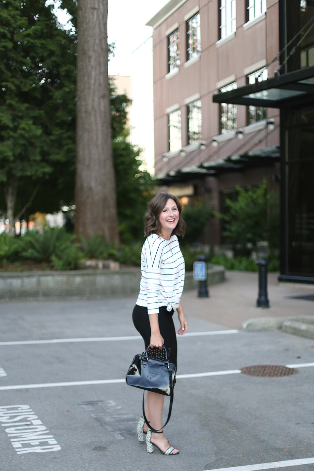 Street style: Minimalist fashion blog outfits.