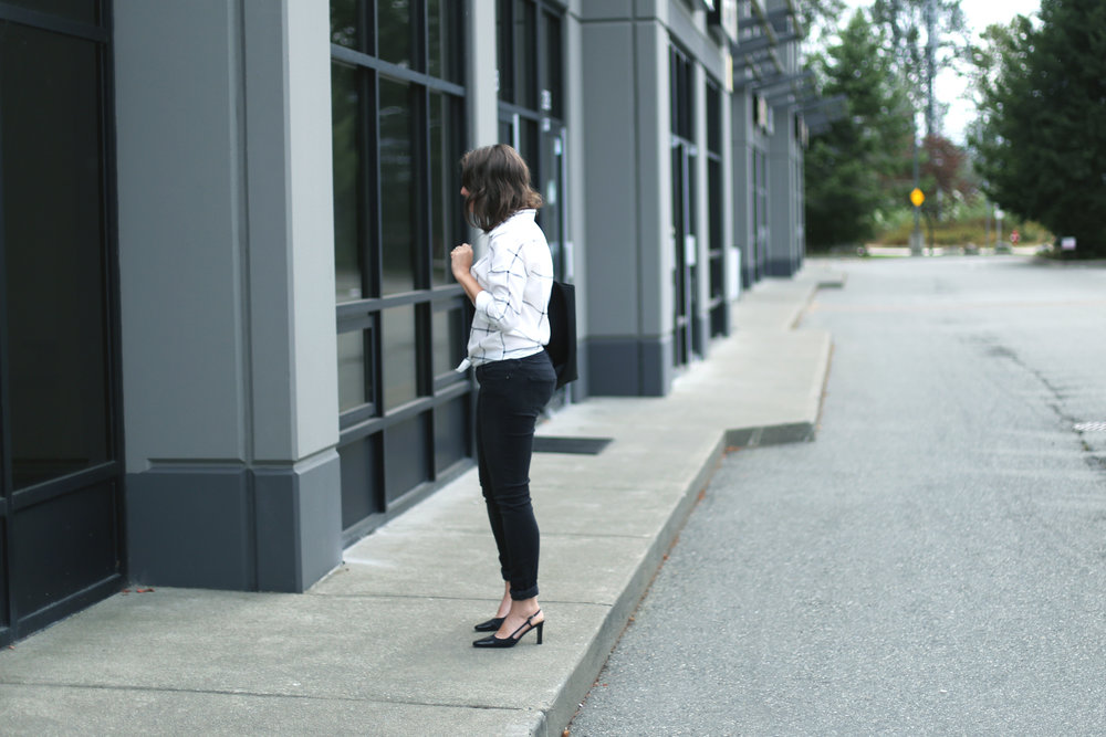 Vintage Chanel mules and a minimalist outfit.