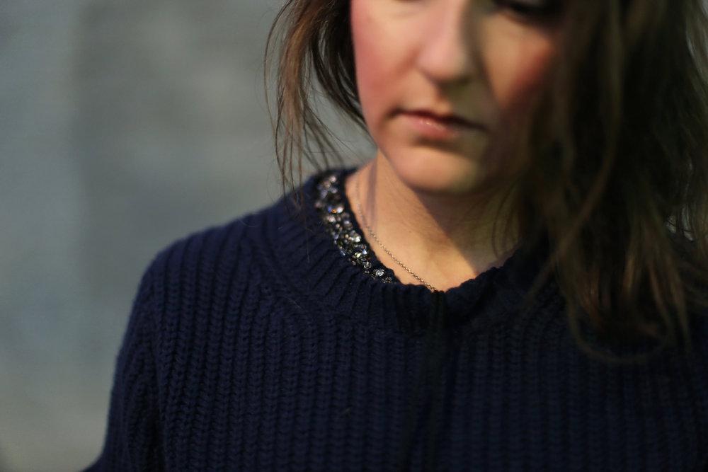 Fall 2017 fashion: Minimalist sparkle on an oversized sweater.