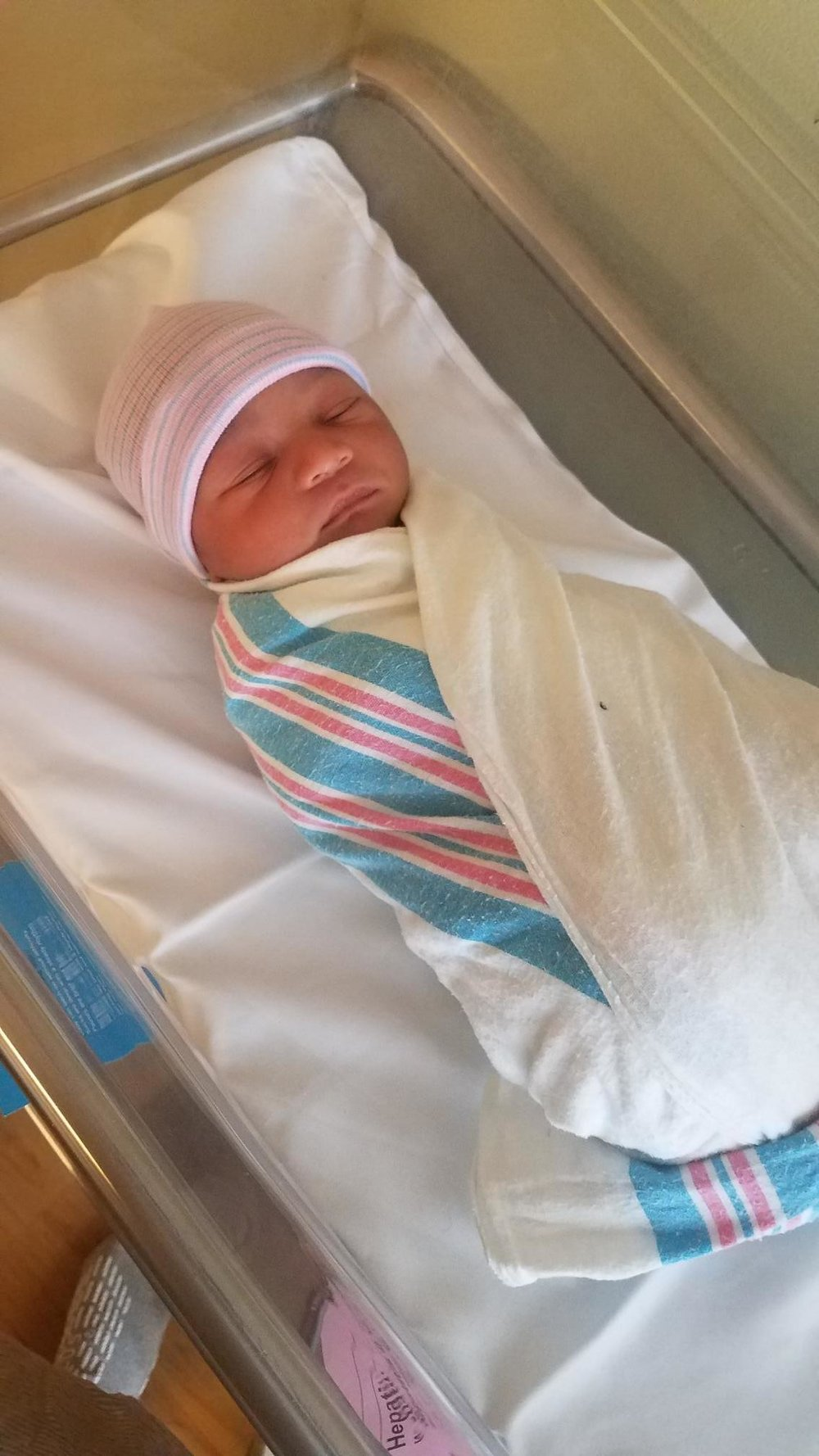 Cintia's Baby is here :)... he was born on December 1st at 7:55 pm. 7lbs 6oz... 19 3/4 inches long.  Jionni Varela Silva.