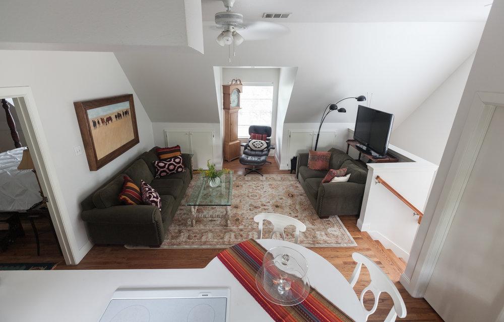 Apartment_022.JPG