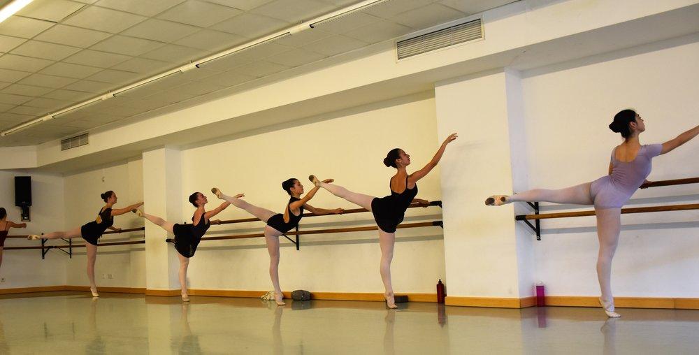 Foto escola de dansa.jpg