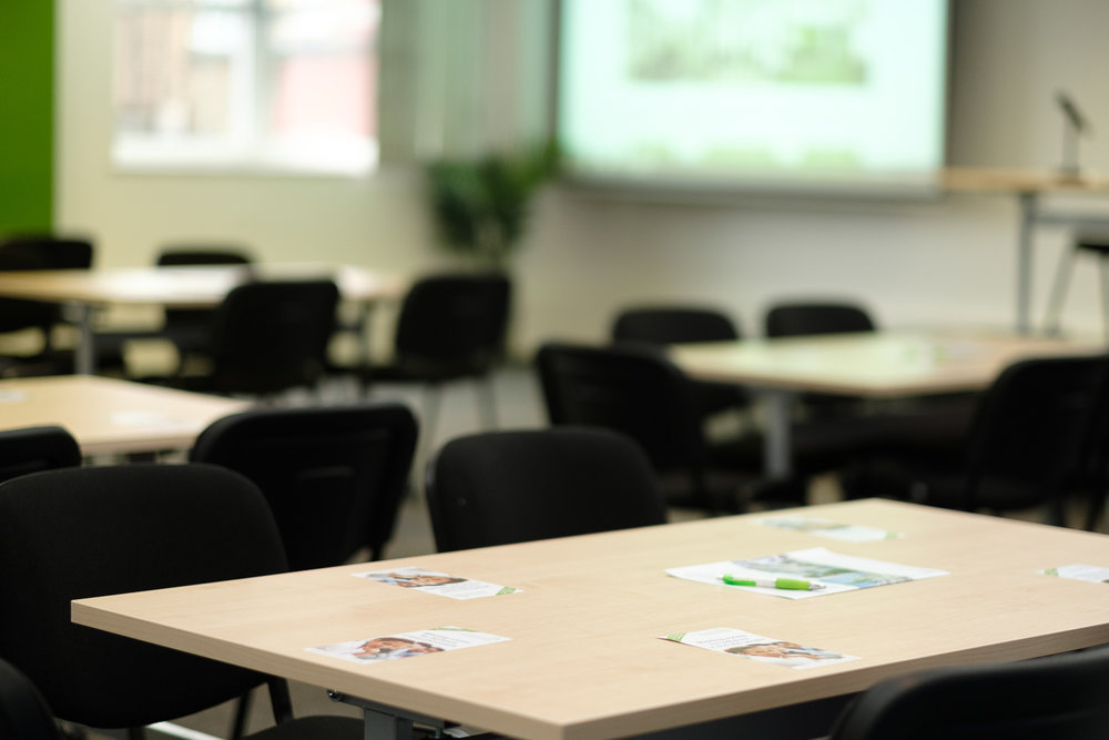 Meeting rooms - The right choice if you are looking for a large conference hall, a creative workshop space, or a small meeting room. Choose between conference hall, seminar or meeting rooms.
