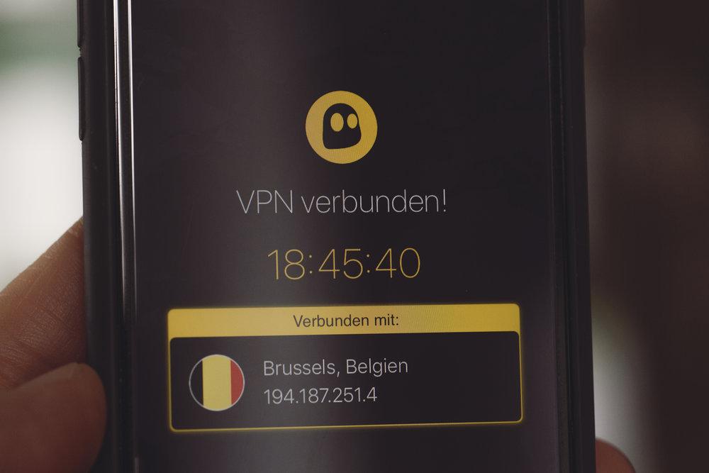 En VPN-forbindelse sørger for at tilkoblingen din er kryptert. Smart både hjemme og når man er på reise i utlandet.