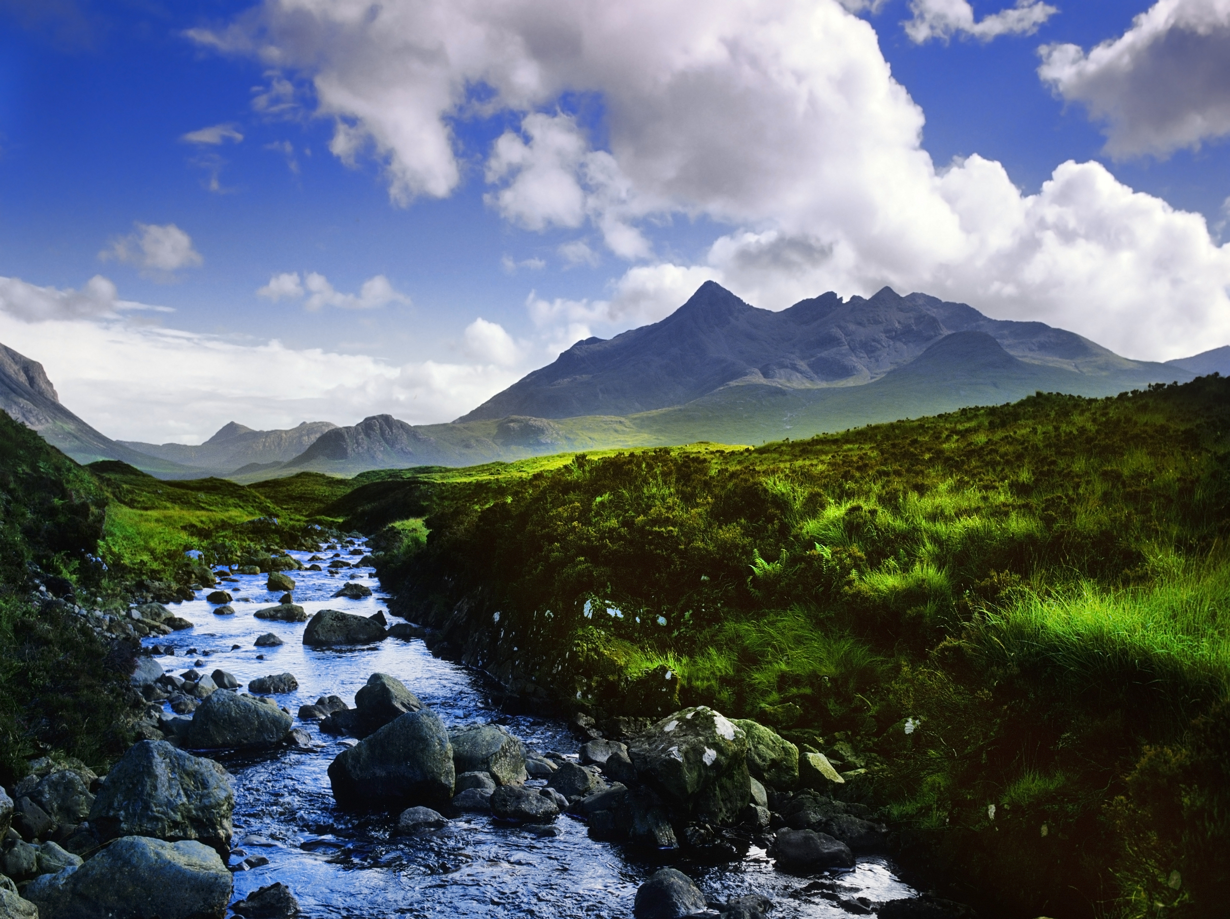 black cuillin mountains on the isle of skye