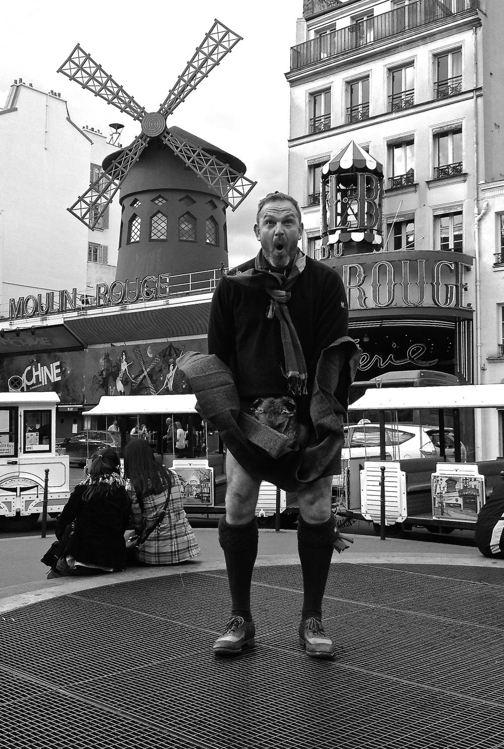 Moulin Rouge Kilt Lift in Paris 2014