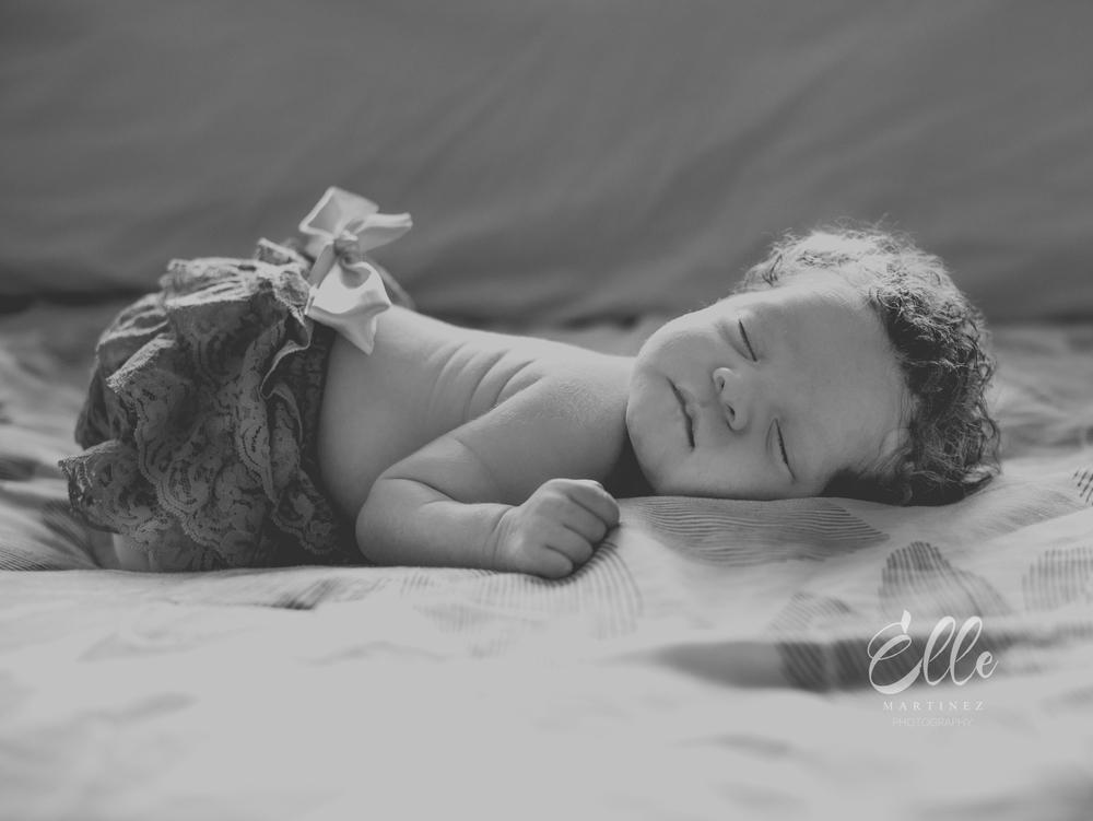 newborn ohio natural light photographer -1-3.jpg