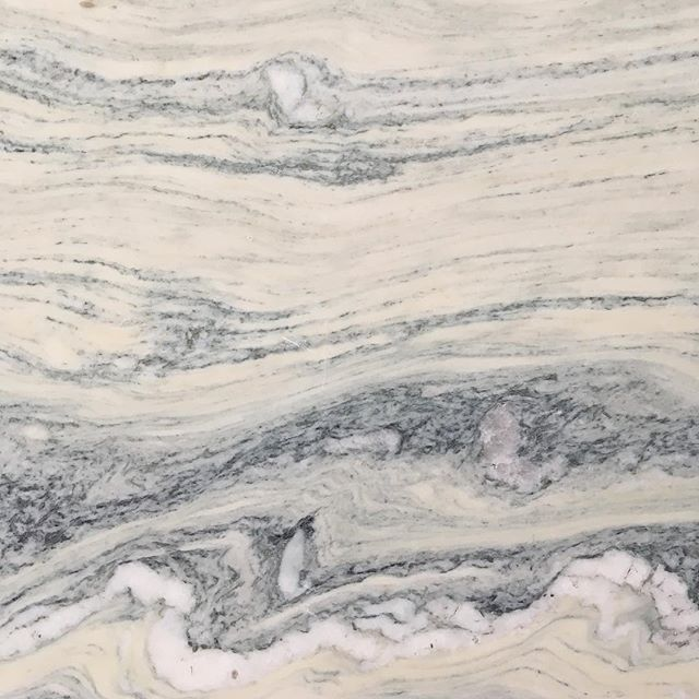Went stone sourcing yesterday and came across this stunning marble - how dreamy would this be in a kitchen/ bathroom/ anywhere frankly.... 🤤 . . . . . . . . #sourcing #stonesourcing #marble #kitcheninspo #bathroominspo #marbleinspo #dreamy #adayinadesignerslife #colourswirl #interiordesign #interiordetails #thedetailsarenotdetails