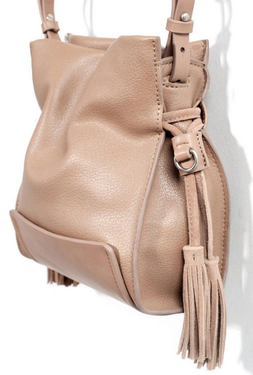 vegan bucket bag with tassel- $49.90