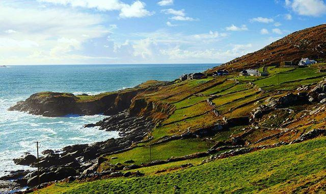 Éire 😍 #drone #gh4 #dronestagram #kingdom #photooftheday #ireland #irelandaily #irishpassion #landscape #instagood #landscapephotography #travel #travelphotography #seascape #startup #entrepreneur #sonder ☘️