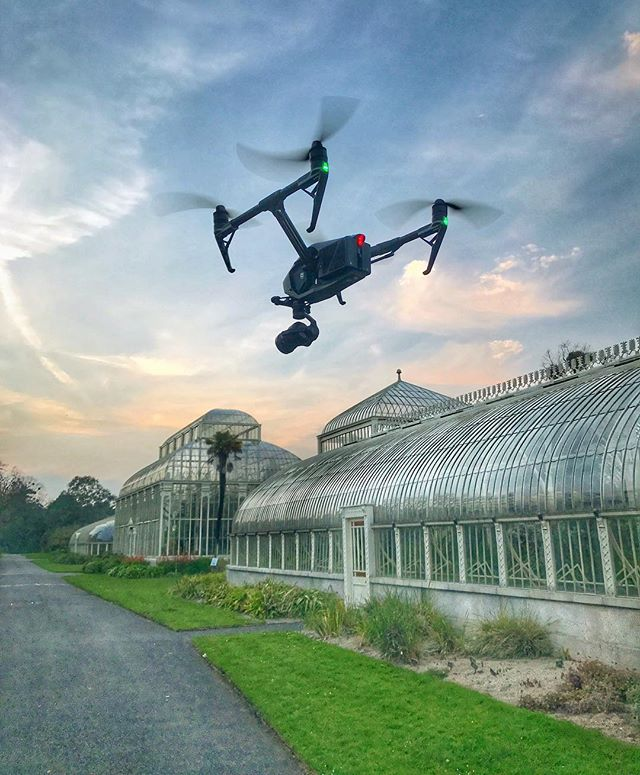 Meet the newest member of the SV team, the DJI #inspire2 drone. • • • •#drone #droning #dronestagram #dronedaily #sunset #inspire2 #dji #beauty #quadcopter #glasshouse #travelfilmmaking #filmmaking #landscape