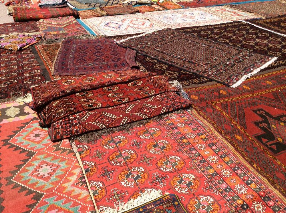 Central Asian carpets, Almaty street market