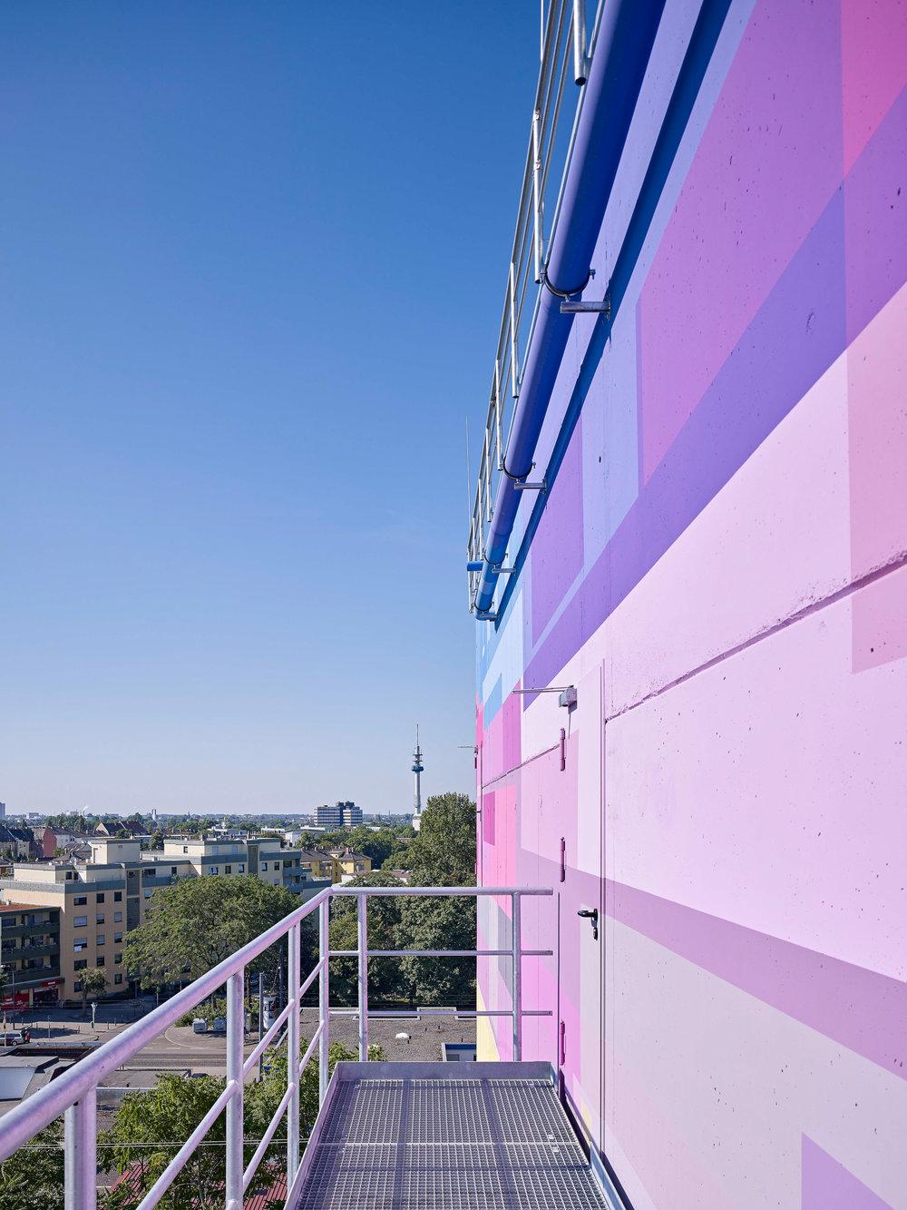 Fassadengestaltung-auf-Putz-beton-farbdesign-industrie-heizkraftwerk-ludiwgshafen.jpg