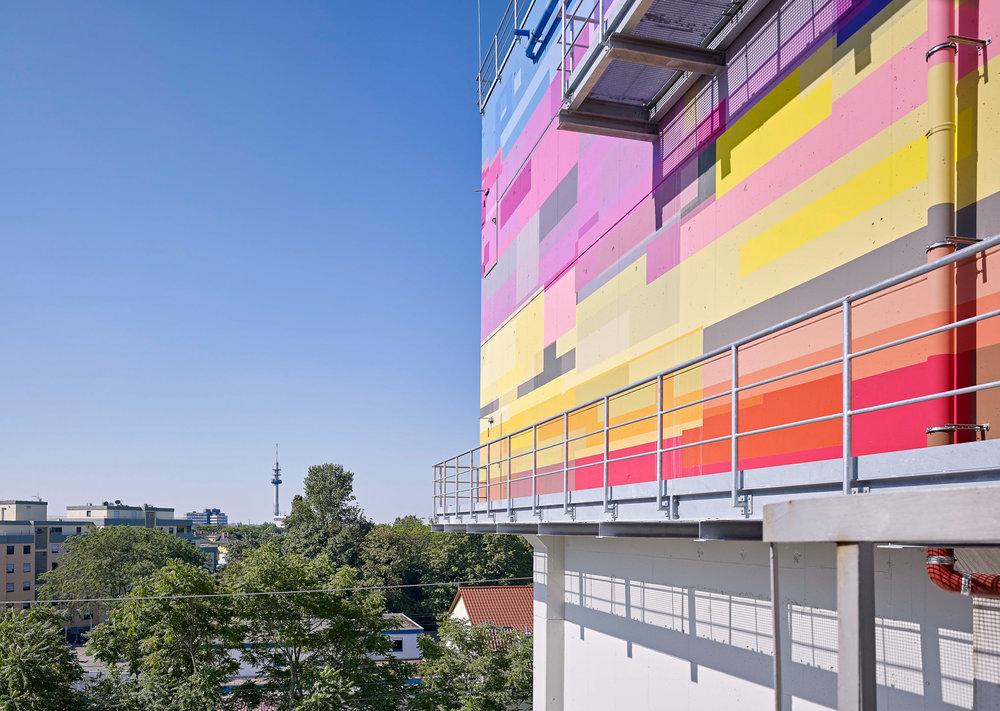 Fassadengestaltung-auf-Putz-Beton-ludwigshafen-lagerplatzweg-ausblick-produktion-Beispiel.jpg