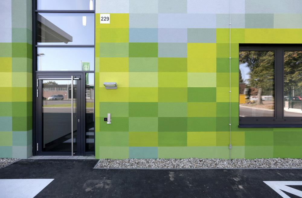 Fassadengestaltung-auf-Putz-design-fabrikgebaude-bayer-farbdesign-konzept-Beispiel.jpg