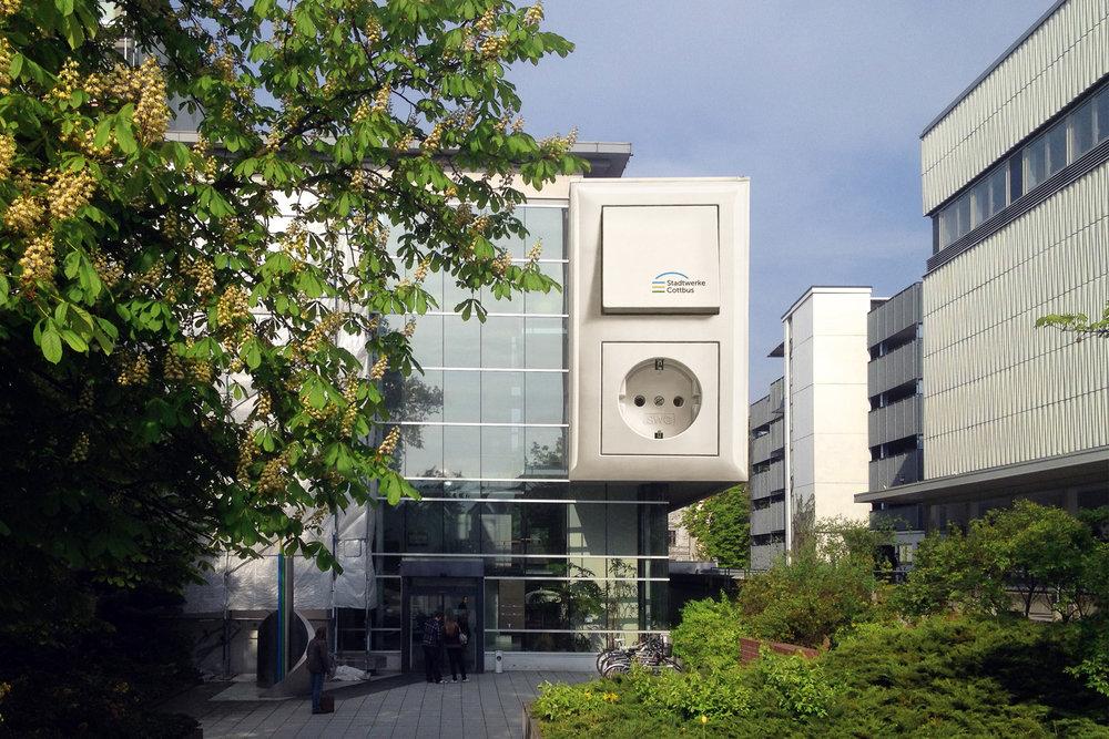 Fassadengestaltung-auf-Putz-lichtschalter-stadtwerke-cottbus-3-dimensional-illusion-idee.jpg