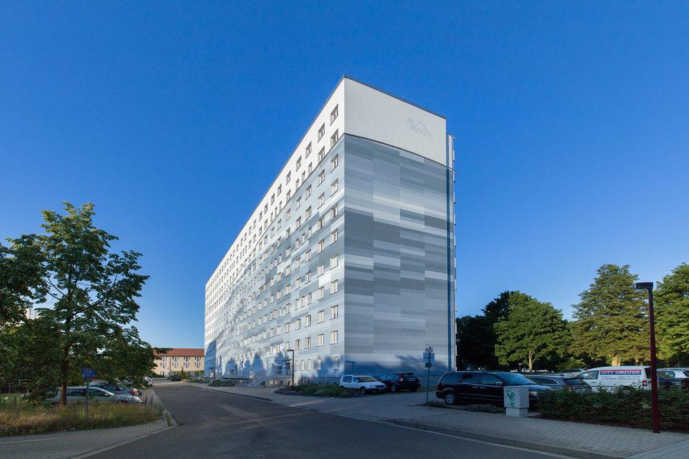 Fassadengestaltung-auf-Putz-senftenberg-wohnungsbau-pixel-design-modern-Beispiel.jpg