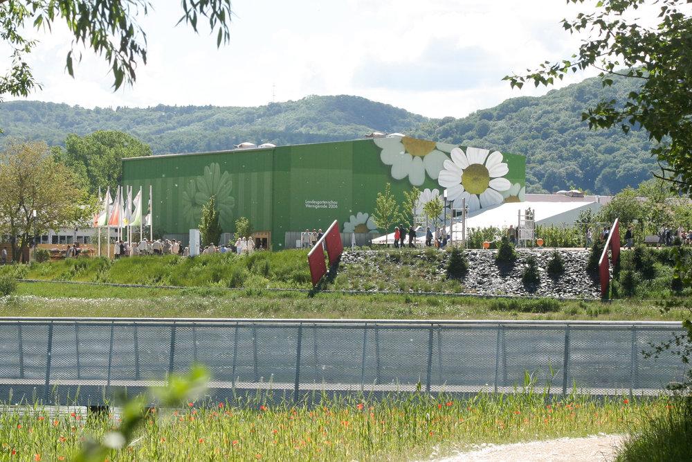 Fassadengestaltung-Industrie-Wernigerode-Laga-Blumen-Halle-Blech-Metall.jpg