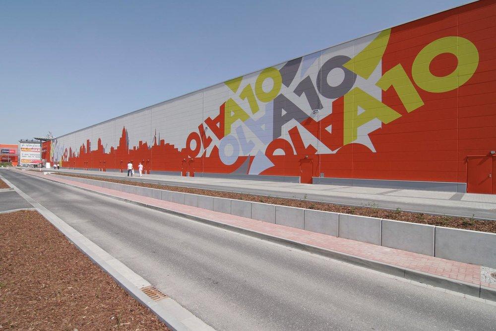 Fassadengestaltung-Industrie-A10-Center-Berlin-Beton-Einkaufscenter-Lagerhalle.jpg