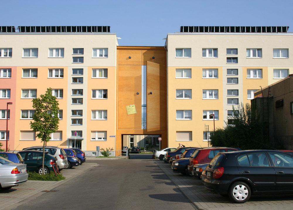 Fassade-gestaltung-mietwohnung-plattenbau-schrank-wandbild-senftenberg.jpg