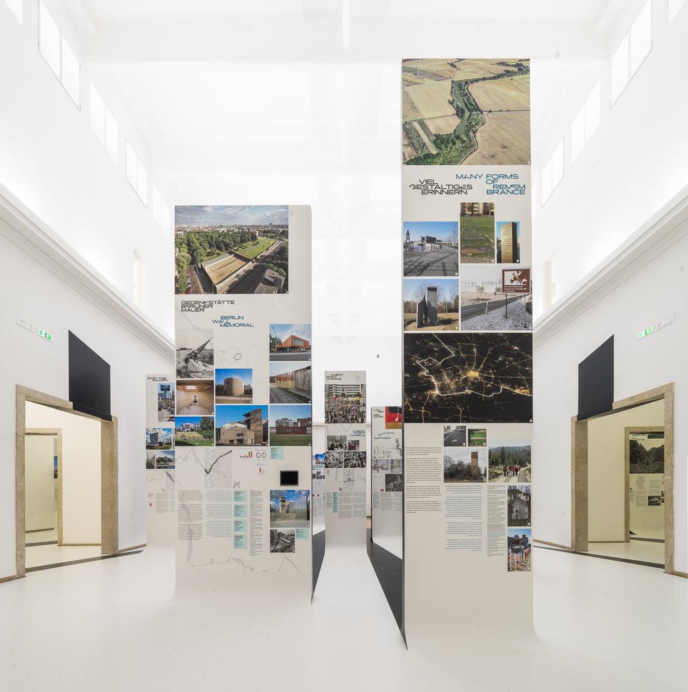 12_Unbuilding Walls_Felix Torkar.jpg
