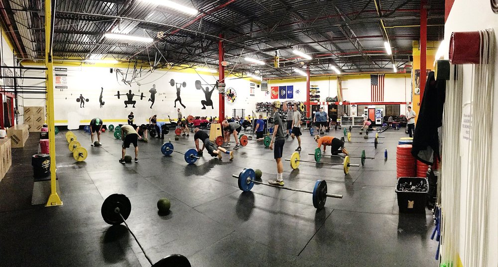 The year 2018 started off right with a little 2018 meter row, then some 1 rep Thrusters, jumping ball slams and push-ups on the slam ball. The 5PM class kicked butt! Happy New Year!