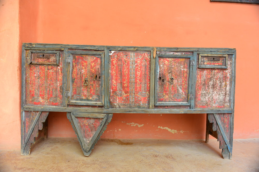 Antique Bedouin wedding chest in the hallway at Feynan Ecolodge.