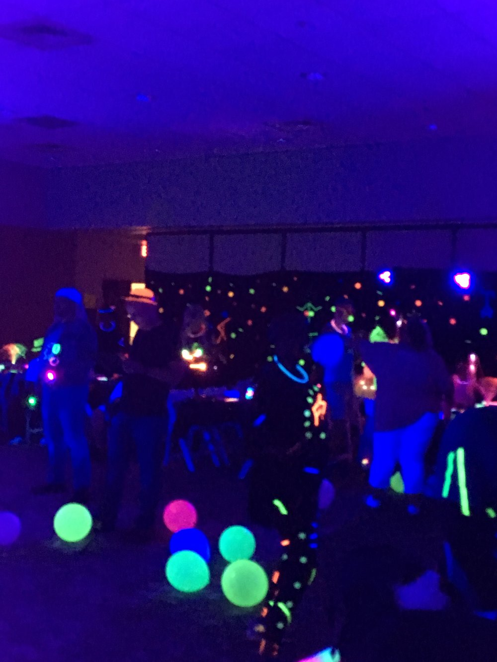 Full Contact Karaoke band at the FMS Glow party 2018