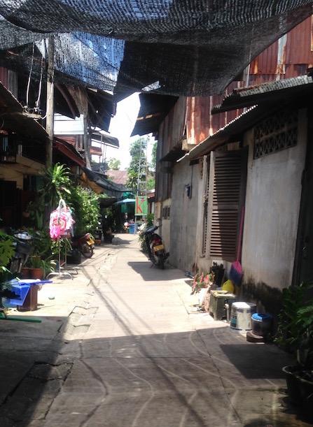 eatdrinklaos-vientiane-kungs-cafe-alley