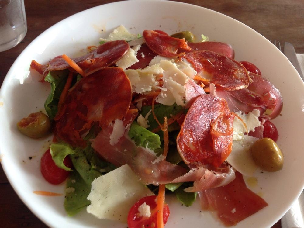 eatdrinklaos-chan-maly-italian-salad
