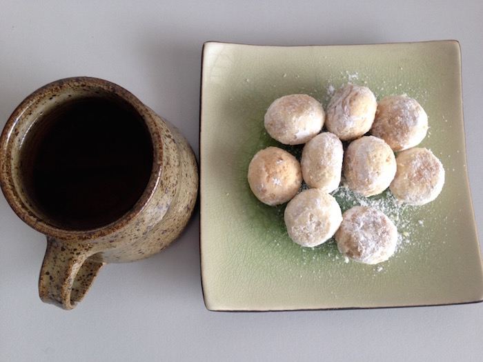 eatdrinklaos-addp-bakery-snowballs