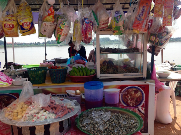 eatdrinklaos-river-food-stalls