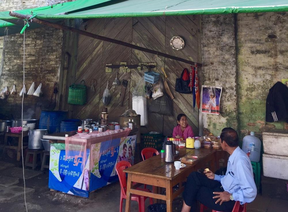 eatdrinklaos-yangon-street-cafe.jpg
