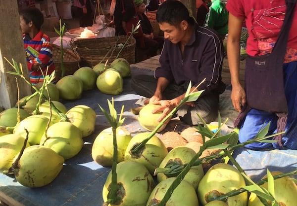 eatdrinklaos-inle-markets-coconuts