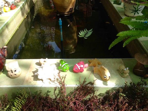 eatdrinklaos-vientiane-khegs-goldfish