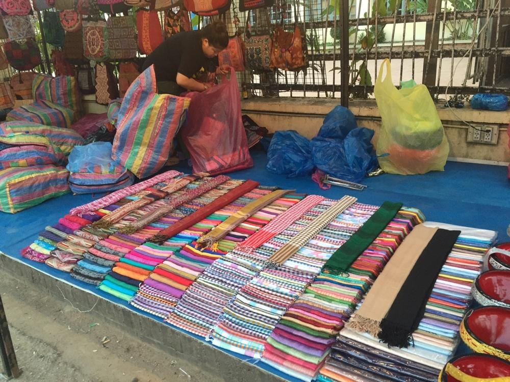 eatdrinklaos-luang-prabang-market1