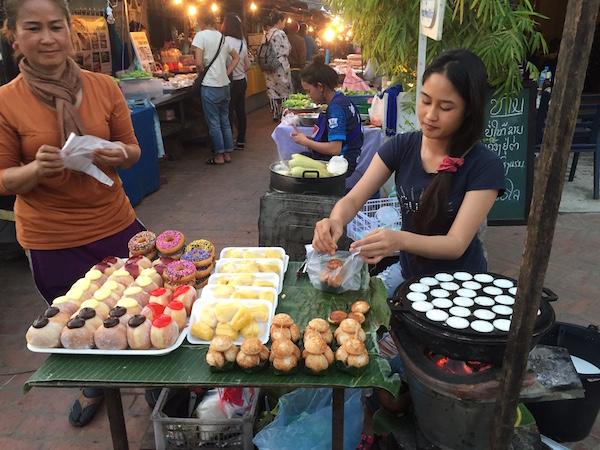 eatdrinklaos-luang-prabang-market-sweets