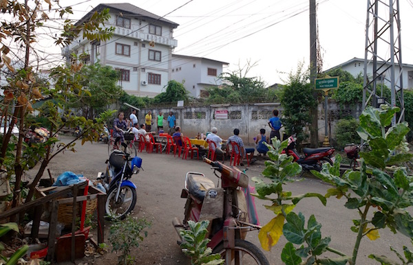 eatdrinklaos-ban-anou-market-petanque