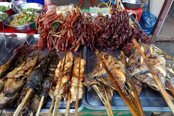 eatdrinklaos-ban-anou-market-jerky