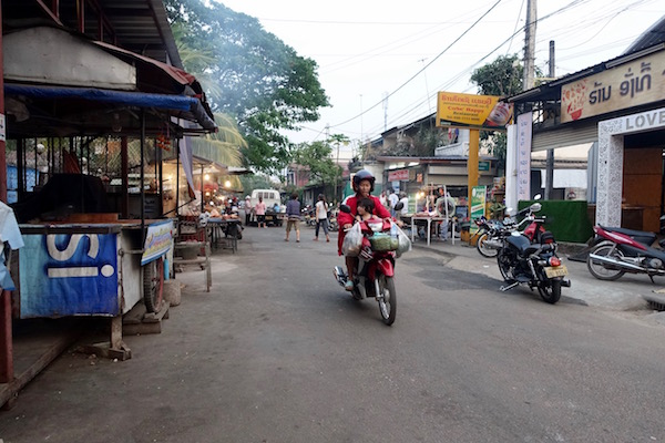 eatdrinklaos-ban-anou-market-street