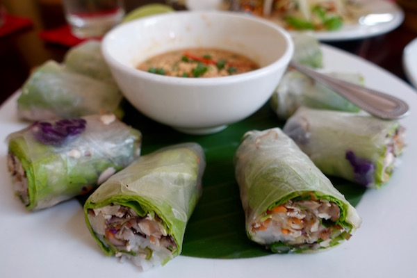 eatdrinklaos-makphet-spring-rolls