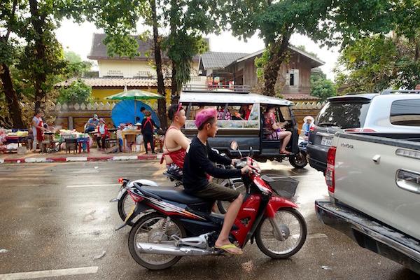 eatdrinklaos-pi-mai-vientiane-motorbikes