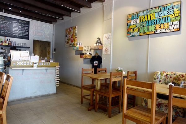 eatdrinklaos-vientiane-comma-coffee-inside2