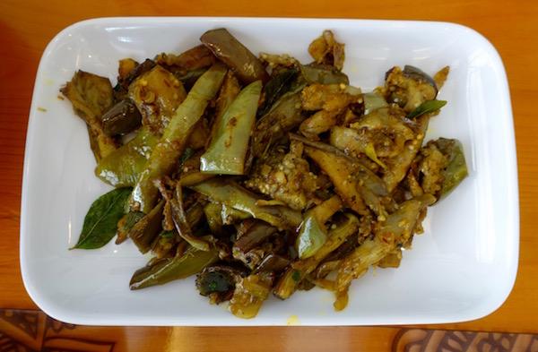 eatdrinklaos-vientiane-restaurant-flavours-spices-brinjal