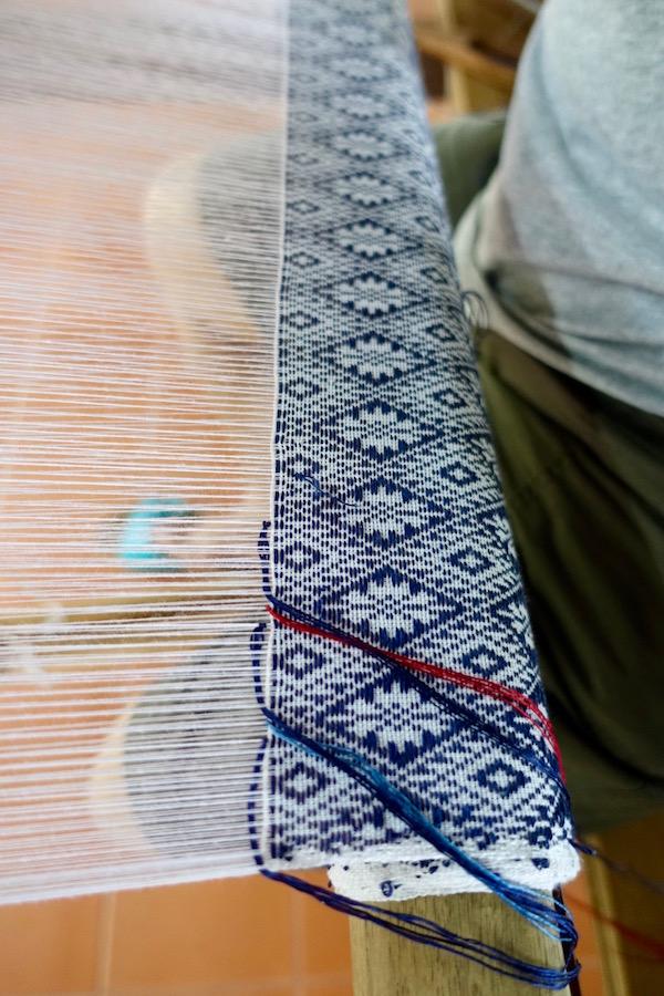 eatdrinklaos-vientiane-lao-textile-museum-weaving